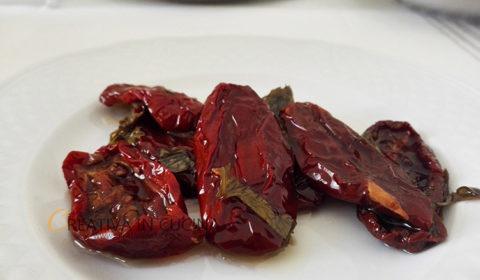 Pomodori secchi sott'olio, fatti in casa con metodo naturale
