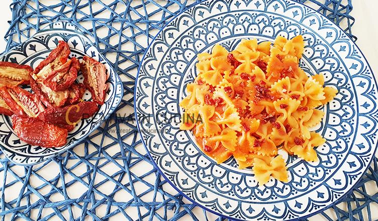 Farfalle con pesto di pomodori secchi ricetta di Creativaincucina