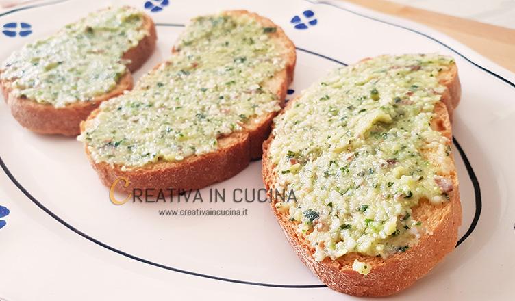 Crostini con pesto di mandorle e zucchine ricetta di Creativa in cucina