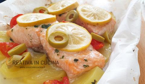 Salmone con verdure al cartoccio