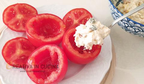 Pomodori ripieni di tonno ricetta di Creativa in cucina