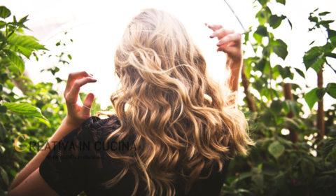Gli alimenti che evitano la caduta dei capelli