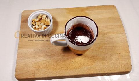 Mug cake torta al cioccolato in tazza ricetta di Creativa in cucina