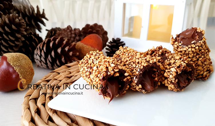 Cannoli mignon al cioccolato e granella ricetta di Creativa in cucina